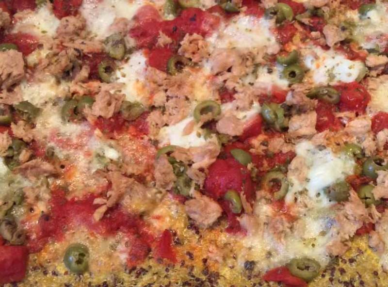 Pizza di Kamut tonno e olive